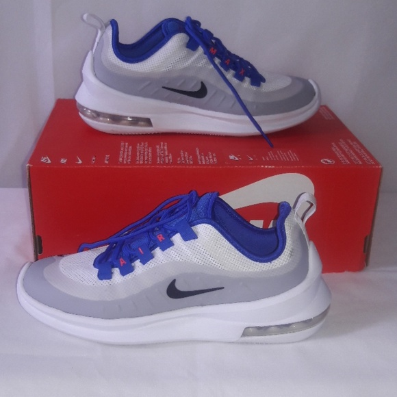 Nike Air Max Axis Women's Sneakers Sz 6